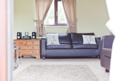 Parc-Gwair-Living-room